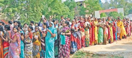 निकाय चुनाव: राज्य के छोटे शहरों में बरसे वोट