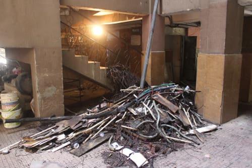 गौड़ ग्रीन सोसाइटी की बिजली मीटर पैनल में आग लगी