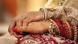 जानिए आपकी शादी के बारे में क्या कहती है आपकी विवाह रेखा