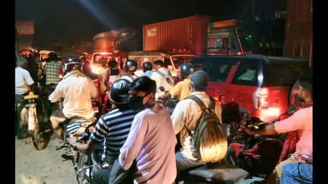 gruesome jams on Vikramshila bridge from 16 hours