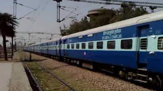 passenger tweet to rail minister for help