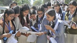 on uaresults.nic.in Uttarakhand Board of School Education will declare today uk board 10th result 20