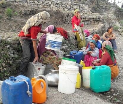 कुशरानी गांव में पेयजल संकट से ग्रामीण परेशान