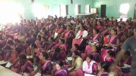 गोला में कुपोषण को लेकर कार्यशाला का आयोजन