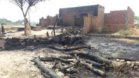 संदिग्ध परिस्थितियों में लगी आग से हजारों का सामान राख