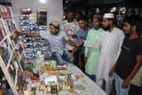 तुर्की तक की टोपी से सजी और मजमुआ से महक रही ईद की बाजार