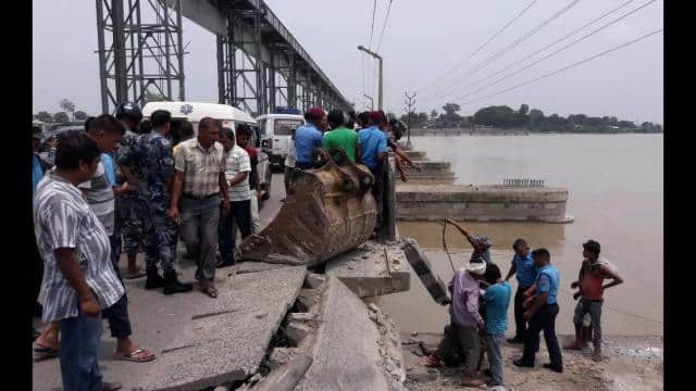 three killed due to Truck fall from Kosi Barrage in river near nepal border