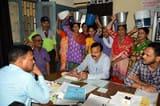 काठगोदाम की महिलाओं ने खाली बाल्टियों के साथ जल संस्थान कार्यालय में किया प्रदर्शन