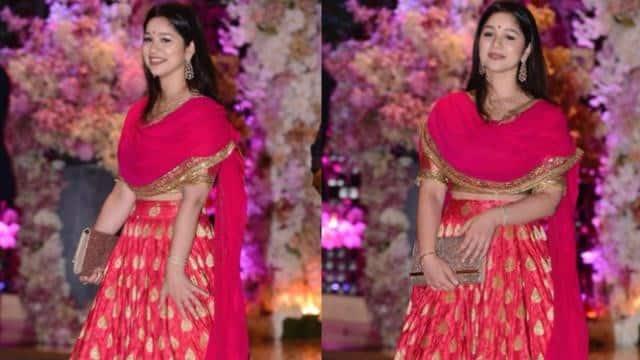 इंडियन कपड़ों में भी बहुत खूबसूरत लगती हैं सारा