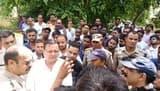 भाजपा कार्यकर्ताओं का एसडीओ कार्यालय में प्रदर्शन