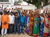ग्रामीणों ने एसपी से मिल की कार्रवाई की मांग