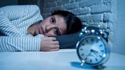 आम बात है गर्मियों में नींद न आना