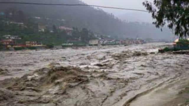 भारत चीन सीमा पर रविवार को बादल फटने से भारी तबाही मची