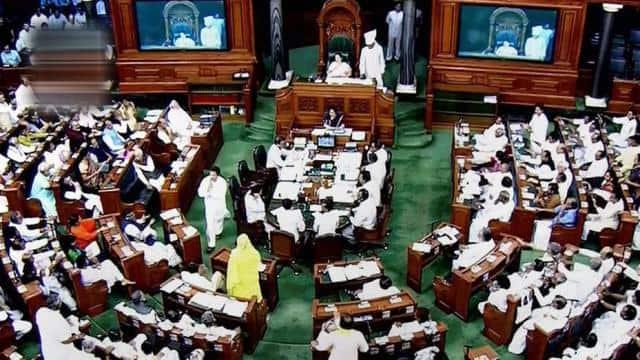 कांग्रेस ने PM और रक्षा मंत्री के खिलाफ दिया विशेषाधिकार हनन का नोटिस