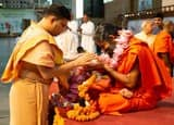 गुरु शिष्य परंपरा से वैभवशाली विश्वगुरु भारत बनाना संभवः रामदेव