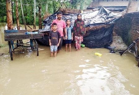 मूसलाधार बारिश से जनजीवन प्रभावित, लाखों का नुकसान