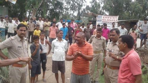 दो गांवों में भूमि विवाद को लेकर दौड़ी पुलिस