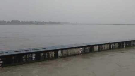 गंगा बैराज पर जलस्तर खतरे के निशान के पार, बाढ़ चौकियां अलर्ट