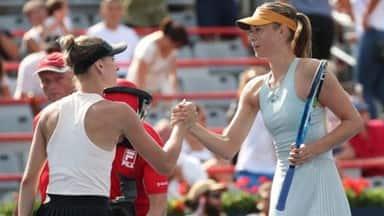 Maria Sharapova beat Sesil Karatantcheva at Rogers Cup tennis tournament