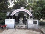 चोलापुर स्थित शहीद स्मारक जिसका निर्माण पं.  कमलापति त्रिपाठी ने 1987 में कराया