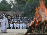 Atal Bihari Vajpayee is cremated at Delhi's Smriti Sthal. His foster daughter Namita Bhattacharya (s