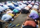 मुस्लिम समाज के लोगों ने अदा की ईद की नमाज