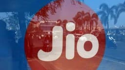 Jio एक साल तक अपने यूजर्स को FREE में देगा 547 GB डाटा, कॉलिंग भी मुफ्त