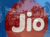 JIO से टक्कर: यह कंपनी लाई ऑफर, दे रही है 4 महीने का मुफ्त इंटरनेट