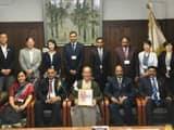 क्योटो में वहां की मेयर और अन्य सदस्यों के साथ भारतीय दल।