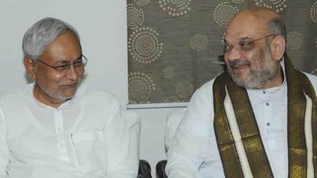 बिहार के मुख्यमंत्री नीतीश कुमार बीजेपी के राष्ट्रीय अध्यक्ष अमित शाह के साथ (एचटी फाइल फोटो)