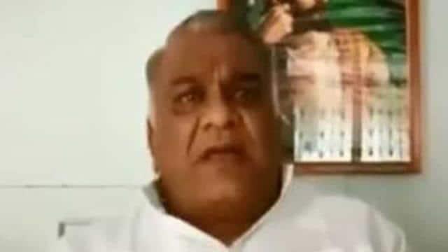 A former Maharashtra minister, Subodh Saoji, allegedly announced a reward on Thursday(ANI/Twitter)
