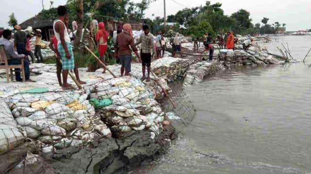 water level of rivers now crossed danger zone in kosi and seemanchal area