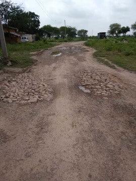 सड़को के निर्माण और मरम्मत में भी चल रहा लाखों का खेल