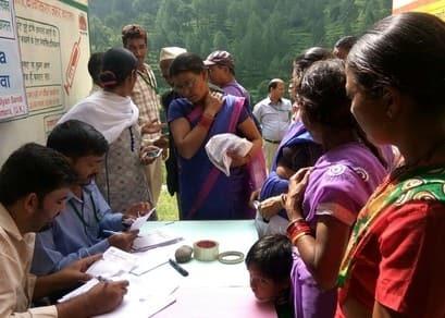 निशुल्क स्वास्थ्य शिविर में 215 मरीजो को हुआ उपचार