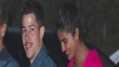 बॉलीवुड की देसी गर्ल प्रियंका चोपड़ा और अमेरिकी सिंगर निक जोनस की हाल ही में मुंबई में सगाई हुई है।
