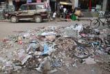 सफाई कर्मचारी हड़ताल पर: चौथे दिन भी नहीं उठा कूड़ा, मुंगेर शहर में बजबजा रही गंदगी