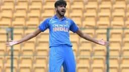 INDvHK: जानिए कौन हैं 147km/hr की स्पीड से बॉल डालने वाले भारत के खलील अहमद!
