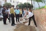 मलिन बस्तियों से नगर निगम ने की सफाई की शुरुआत