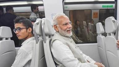 PM Modi takes Delhi metro to lay foundation stone of convention centre