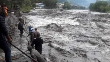 floods block many highways in Himachal