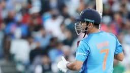 india vs pakistan asia cup 2018: बैटिंग किए बिना ही धौनी ने तोड़ डाला राहुल द्रविड़ का बड़ा Record