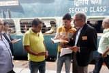 मोबाइल टिकटिंग के फायदे बता यात्रियों को किया जागरूक