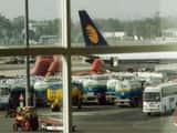 विमान में इस्तेमाल होने वाले जेट ईंधन यानी एटीएफ 2014 के बाद सबसे उच्चतम स्तर पर पहुंच गए हैं।