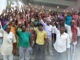 हड़ताली रसोईया संघ ने अपनी मांगों के समर्थन में किया प्रदर्शन
