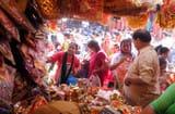 नवरात्र के लिए सजे तीर्थनगरी के बाजार
