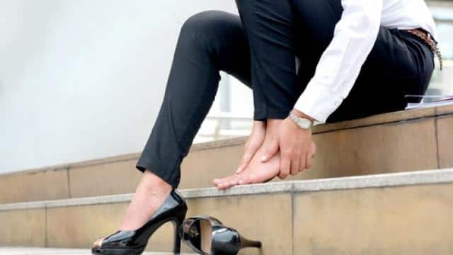 high Heel Can cause arthritis (Symbolic image)