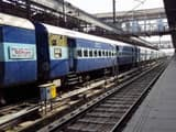 5 people cut down by train in bihar