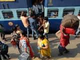 दुर्गापूजा में यात्री सुविधाओं पर रहेगी रेल अधिकारियों की नजर