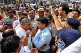 रोडवेज का चक्का जाम, 44 कर्मचाारियों को किया गिरफ्तार