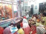 मंदिरों में देवी मां के दर्शन को उमड़े भक्त